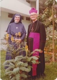 mit Schwester Willibrordis